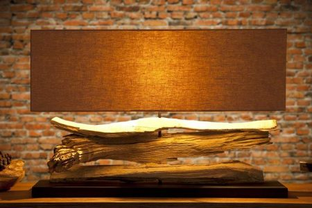Béžová stolová lampa Riverine  »