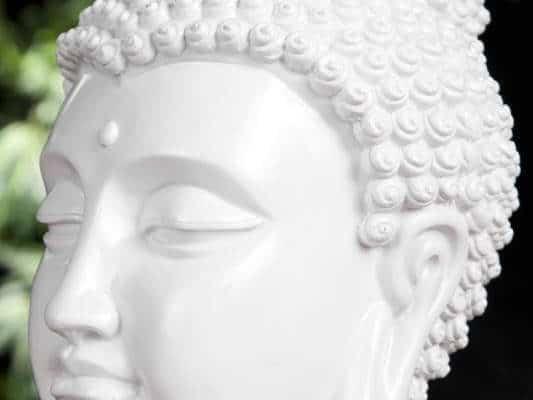 Soška Buddha Kopf biela vysokolesklá 25 cm