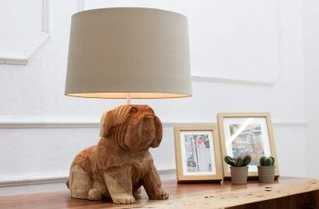 Stolová lampa Dog 50cm Walnuss