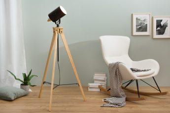 Stojanová lampa Tripod čierna drevo (masív)