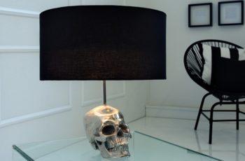 Stolová lampa Skull 44cm