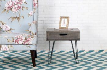 Sivý drevený konferenčný stolík Mantis 50 x 50 cm »