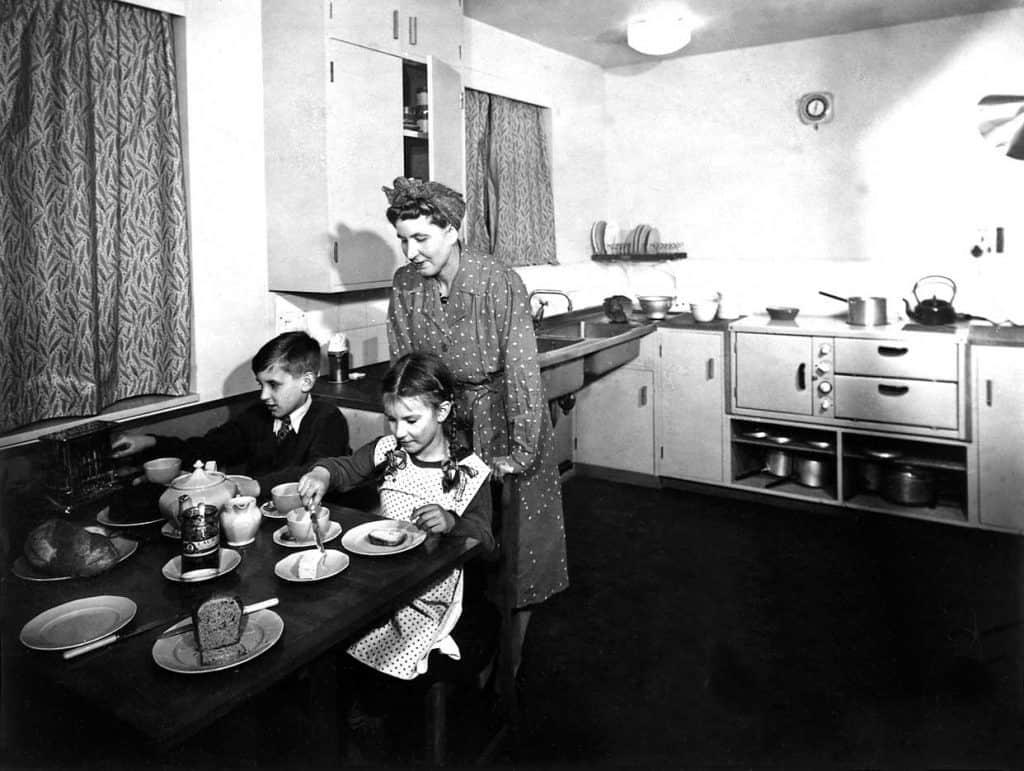 Fotografia kuchyne z roku 1945. (zdroj: nationalarchives.gov.uk)