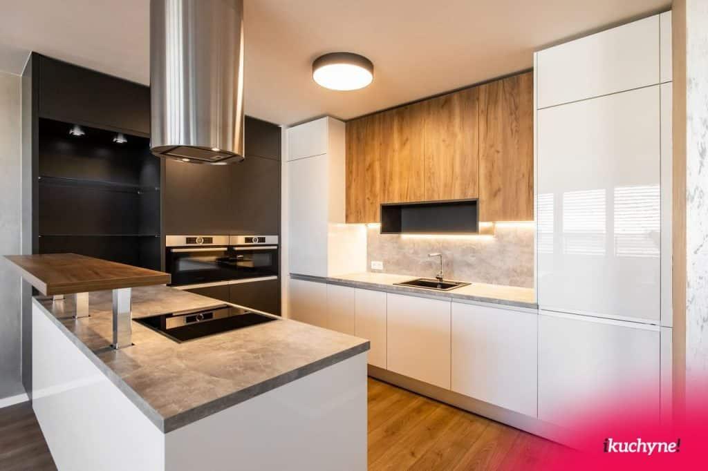 Moderná biela lesklá kuchyňa– realizácia ikuchyne!