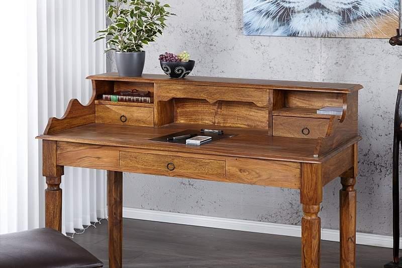 Písací stôl z prírodného dubového dreva a kovovej konštrukcie v industriálnom štýle