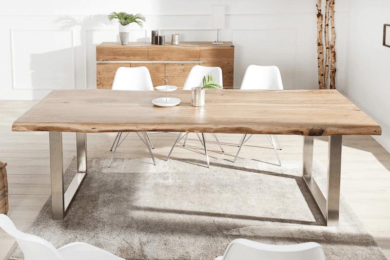 Jedálenský stôl s lyžinovým podstavcom