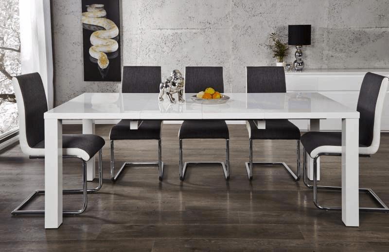 Lesklý biely rozkladací jedálenský stôl