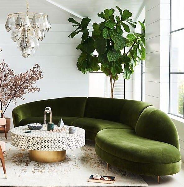 zelena sedacka v obyvacke