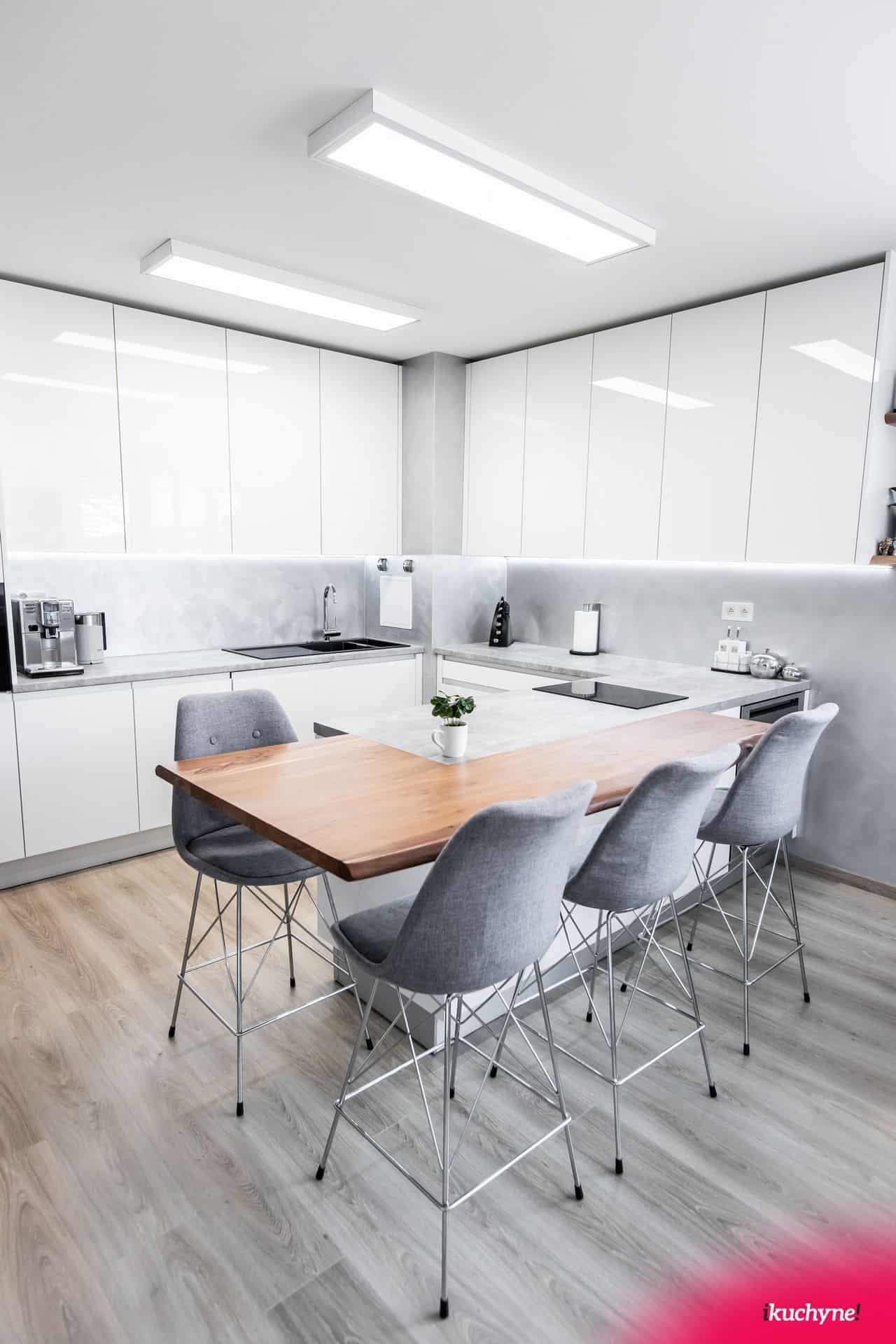 osvetlenie kuchyne bielym svetlom