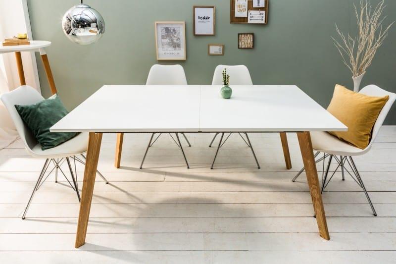 škandinávsky stôl