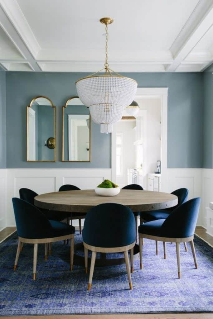 modré stoličky