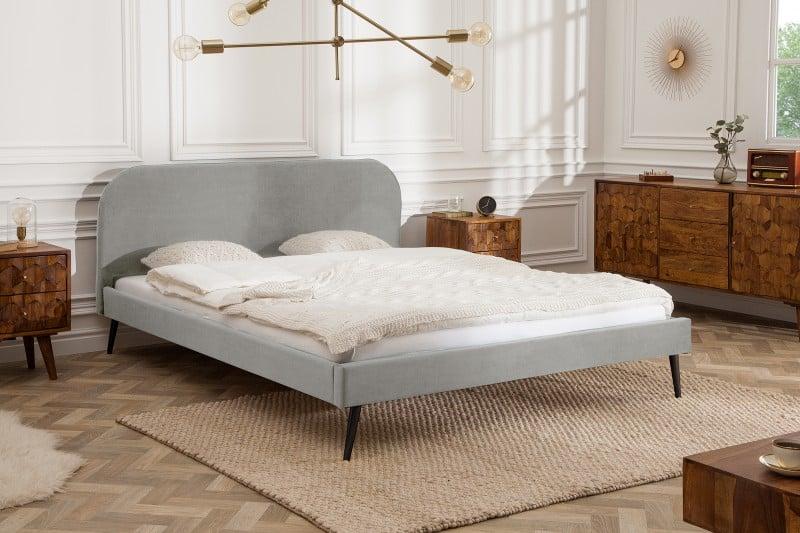 sivá posteľ Famous