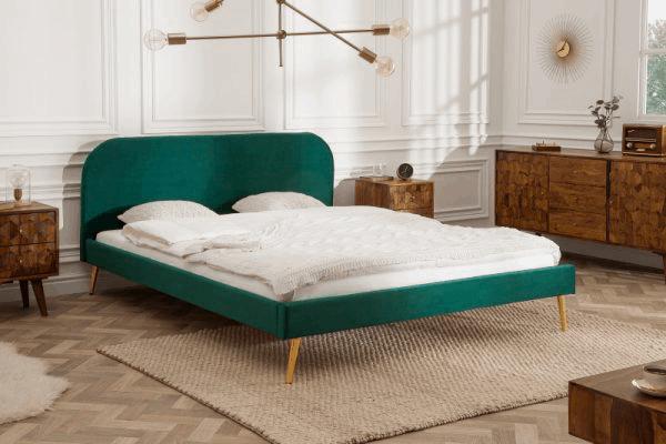 zelená posteľ