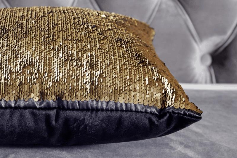 Zlatý vankúš s flitrami
