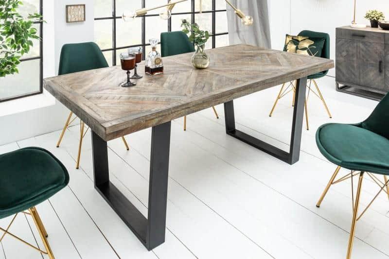 industriálny jedálenský stôl