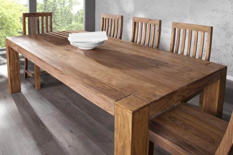 drevený jedálenský stôl