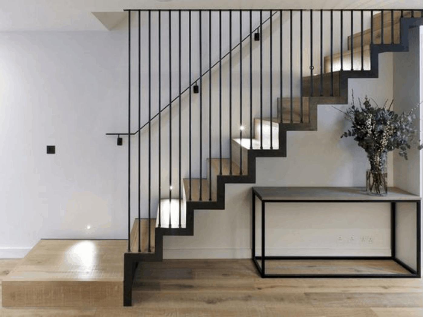 Svietidlá na schodoch aby ste trafili do spálne