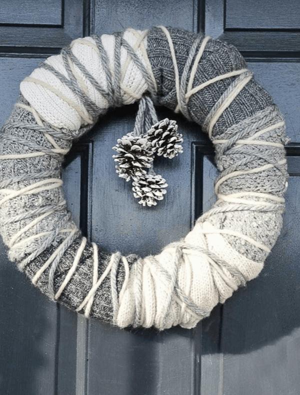 Netradičný zimný veniec na dvere