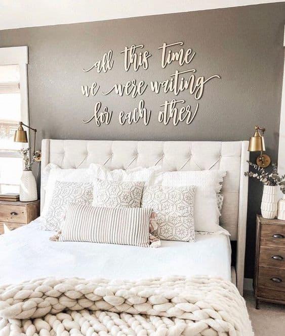 Bledá spálňa