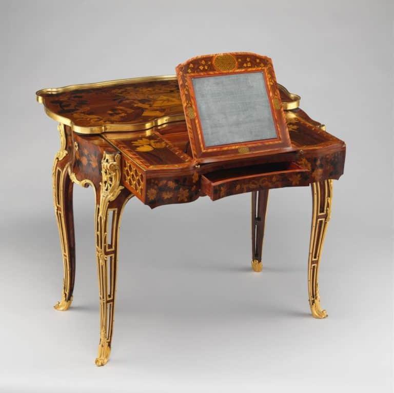 3. Toaletný stolík Madame Pompadour_Pinterest