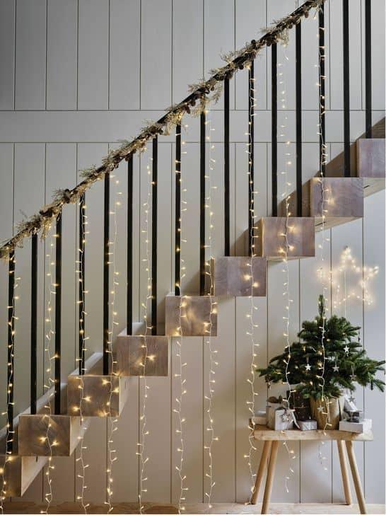 Svetielka na schodoch