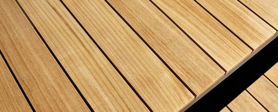 teakové drevo