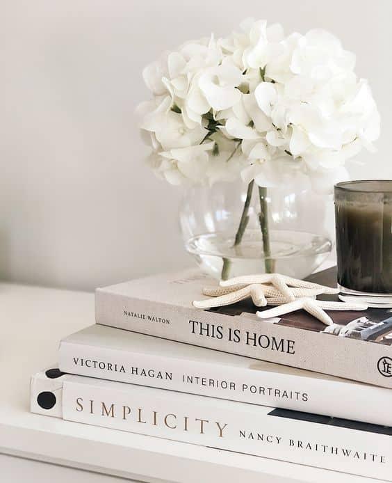 Knihy dokonale poslúžia aj ako dekorácia.