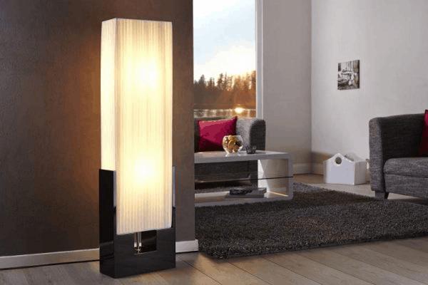 moderná stojanová lampa