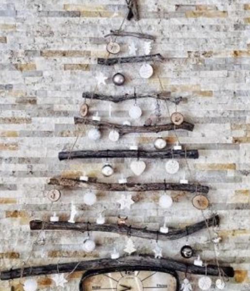 Závesný prírodný vianočný strom