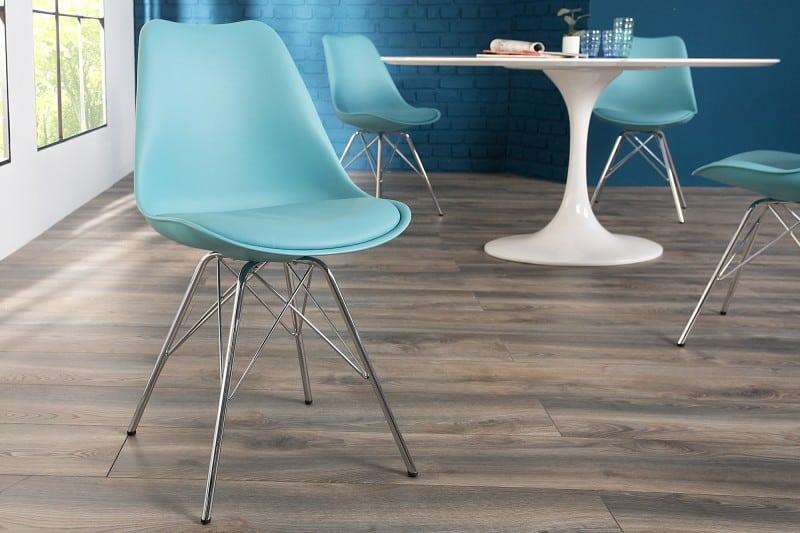 modrá jedálenská stolička