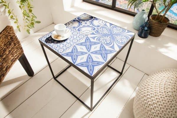 modry konferencny stolik