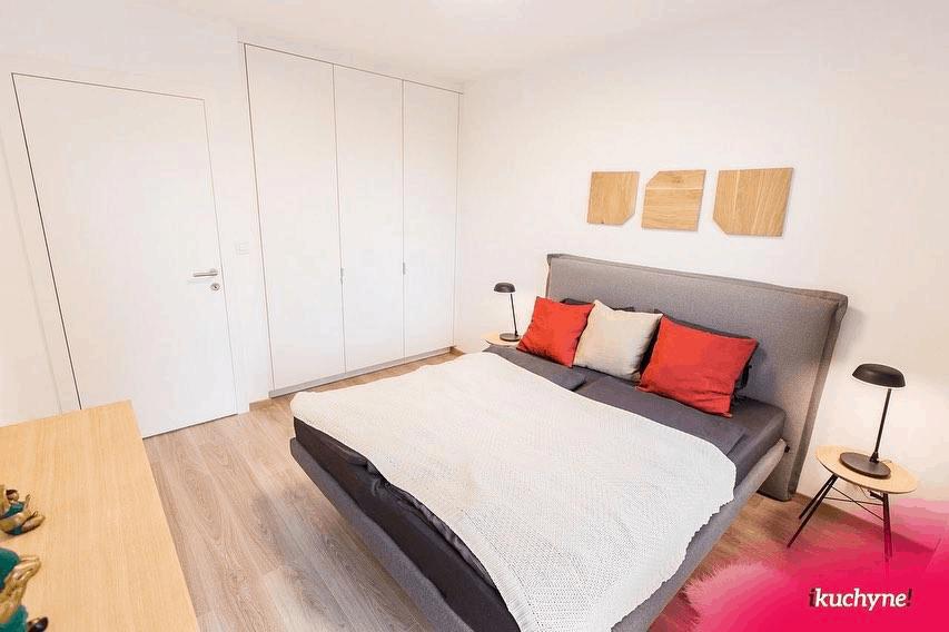 postel krasnany