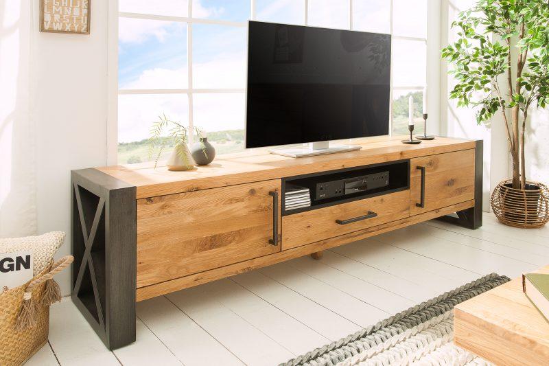 tv stolik v industrialnom style