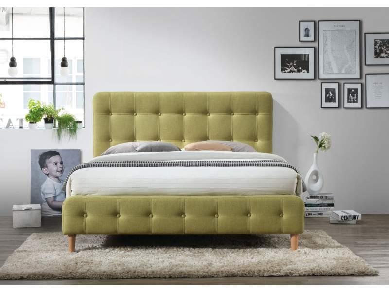 zelená postel