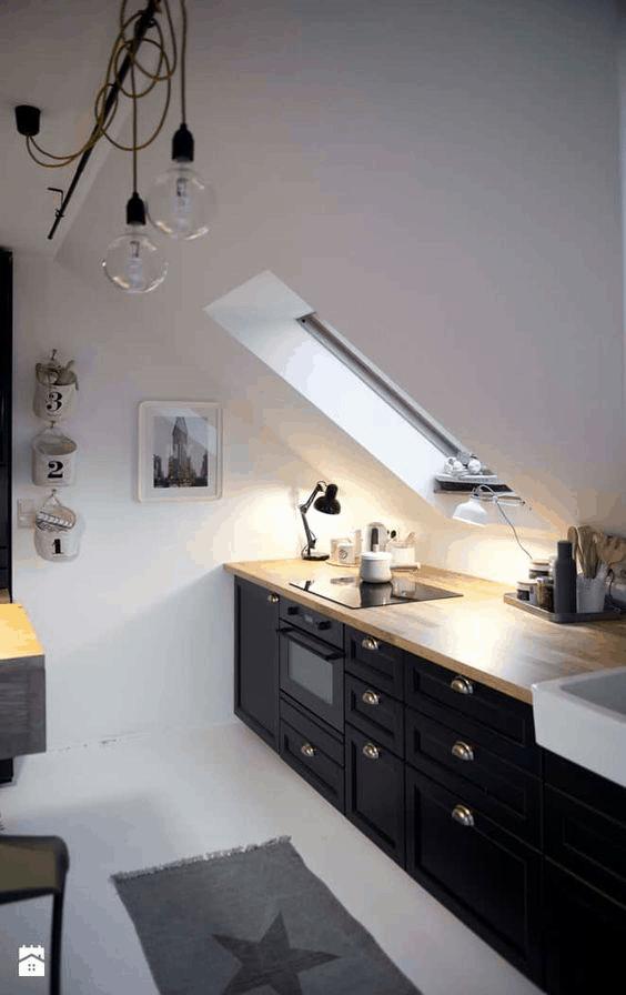 podkrovná kuchyňa v industriálnom štýle