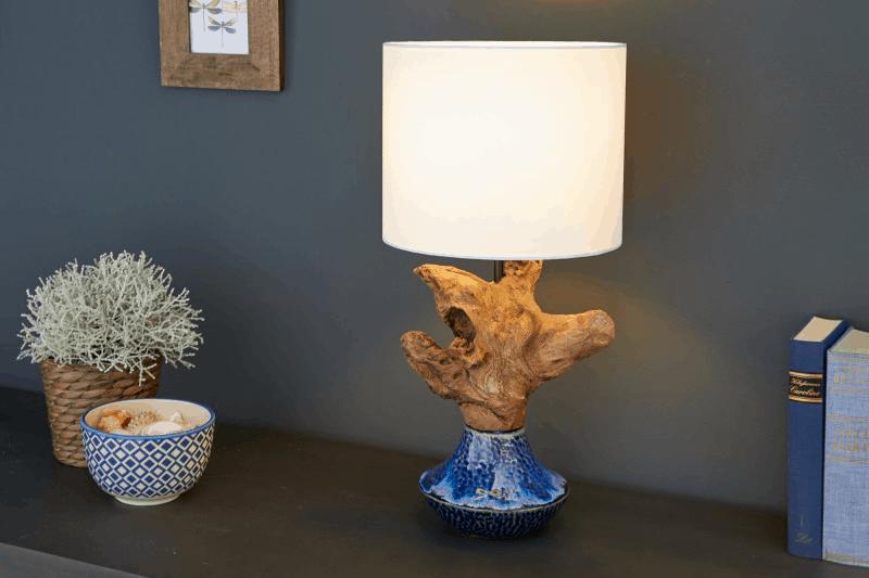 stolova lampa z naplaveneho dreva