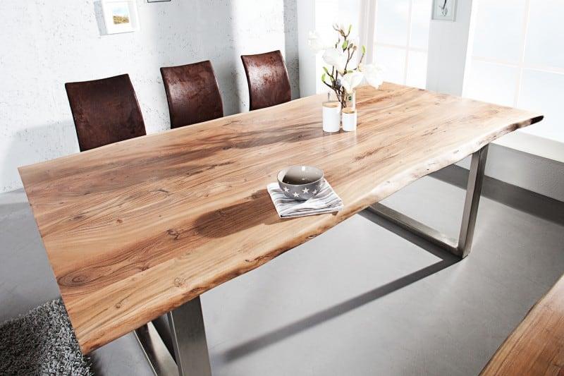Jedálenský stôl z agátového dreva