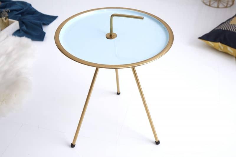 Modro-zlatý konferenčný stolík