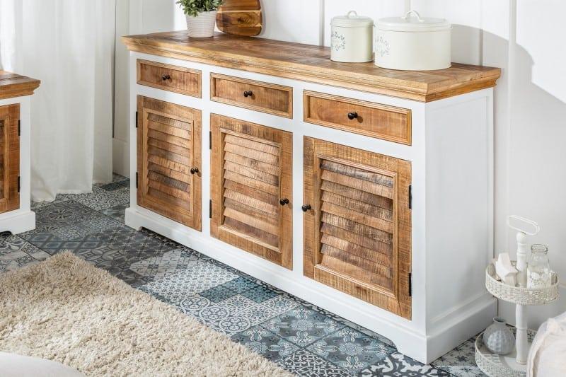 drevená komoda v provensalskom style