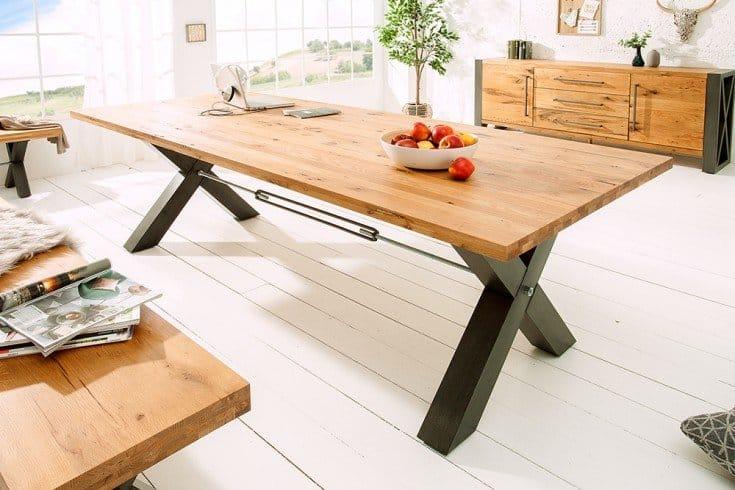 jedálenský stôl z dubového dreva