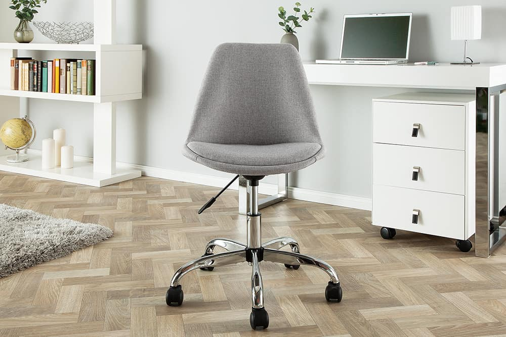 kancelarska stolicka v skandinavskom style