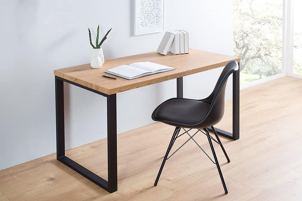 pisaci stôl s čiernou podnožou