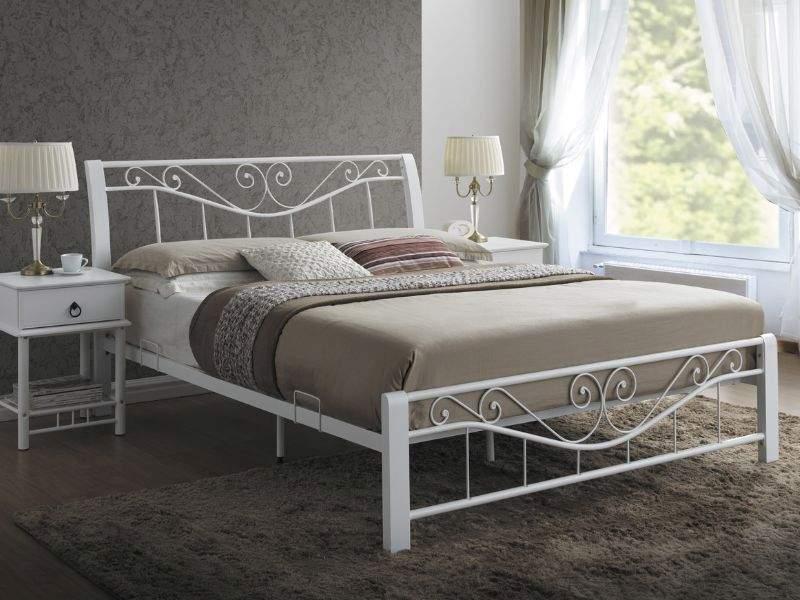 postel v provensalskom style
