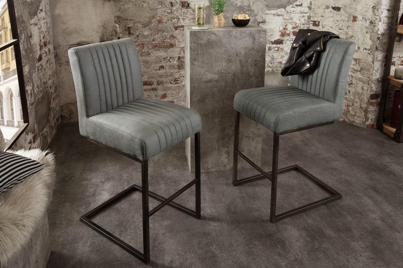 sivá barová stolička