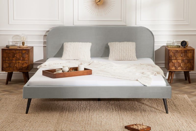 siva-zamatova-postel