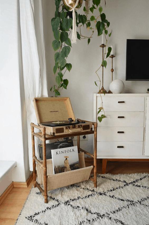 vintage príručný stolík