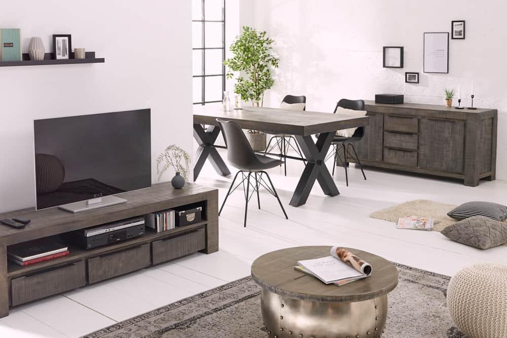 základné kusy nábytku