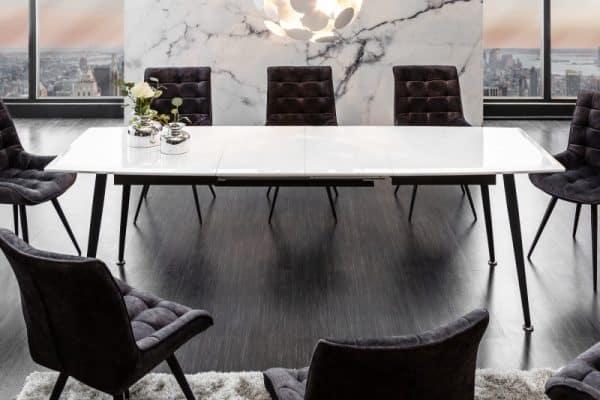 1-- jedálenský stôl ako srdce miestnosti
