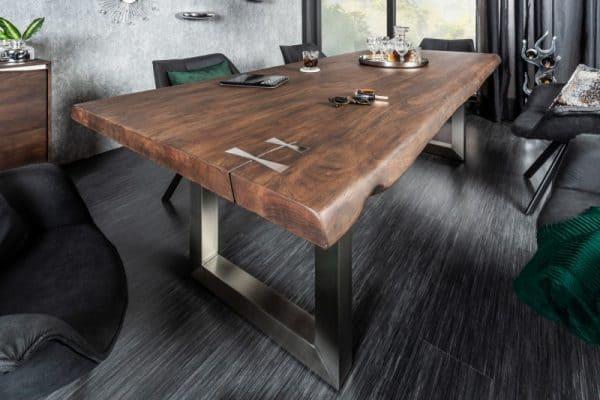 5-- jedálenský stôl z masívu v industriálnom štýle