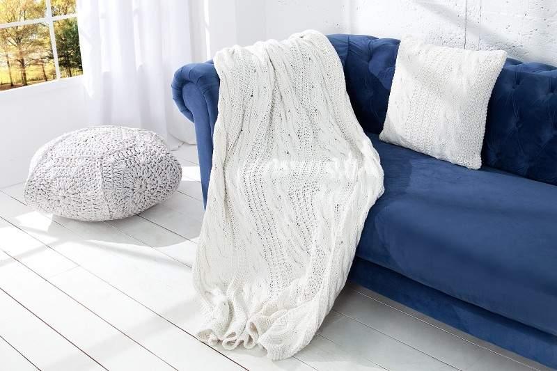 6. Biela deka